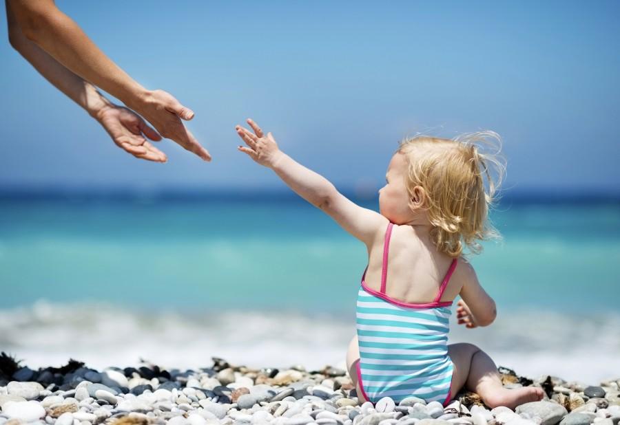 Как защитить от солнца нежную кожу ребенка