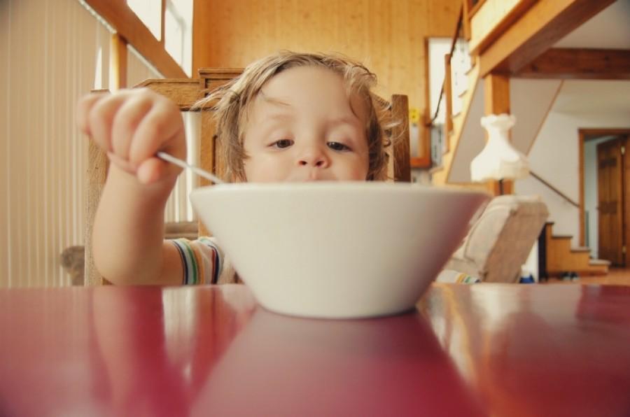 Как накормить ребёнка: советы для родителей