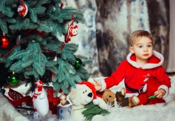Новогодние поделки: чем украшать елку, если в доме ребёнок