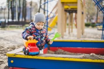 Что делать, если ребенок укололся шприцем?