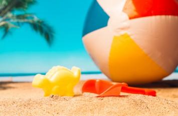 15 идей, чем занять ребёнка на пляже