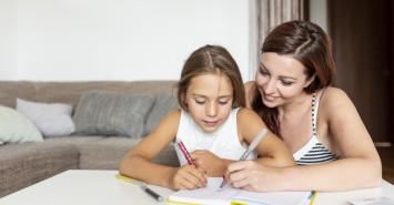 Учить или не учить: нужно ли помогать школьникам делать домашнее задание