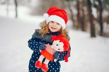 Топ-10 зимних игрушек, которые сделают снежные развлечения незабываемыми