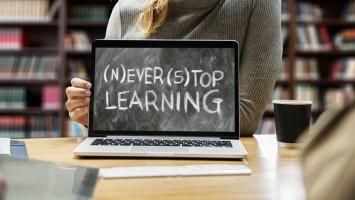 Дистанционное обучение школьников: онлайн уроки на телевидении