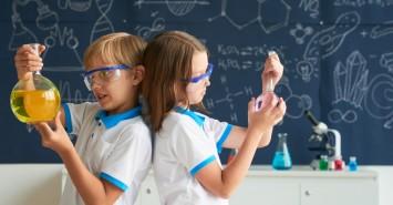 Топ игр и сервисов, которые смогут заинтересовать ребенка наукой