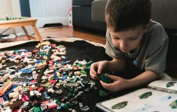 Как выбрать безопасный детский конструктор?