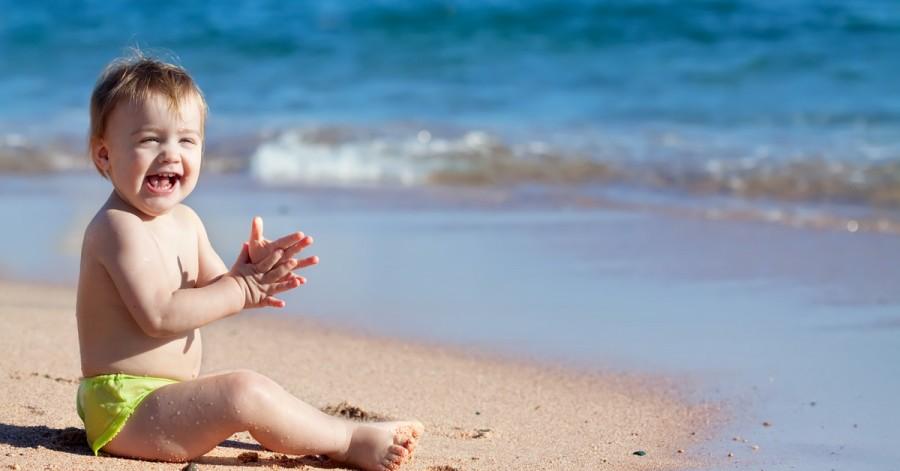 Правила поведения на солнце: как защитить детей от теплового удара, ожогов и перегрева