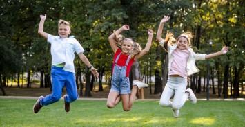 Школа для родителей: что делать, если ребенок не может найти друзей