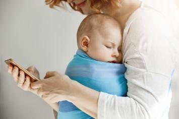 В Украине запускают чат-боты для поддержки и помощи матерям