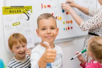 Как родители могут помочь ребенку выучить английский?