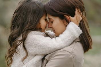 От сердца к сердцу: 14 важных просьб ребенка к маме