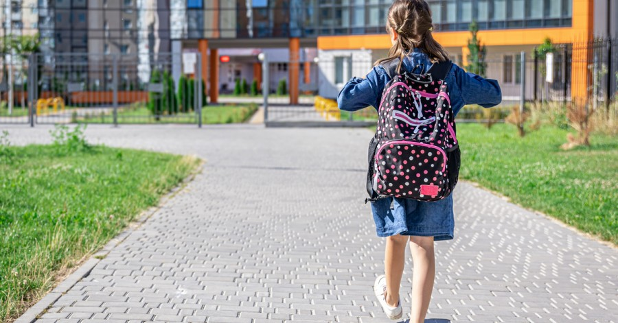 Адаптация в школе: как поддержать ребенка в первые недели учебы