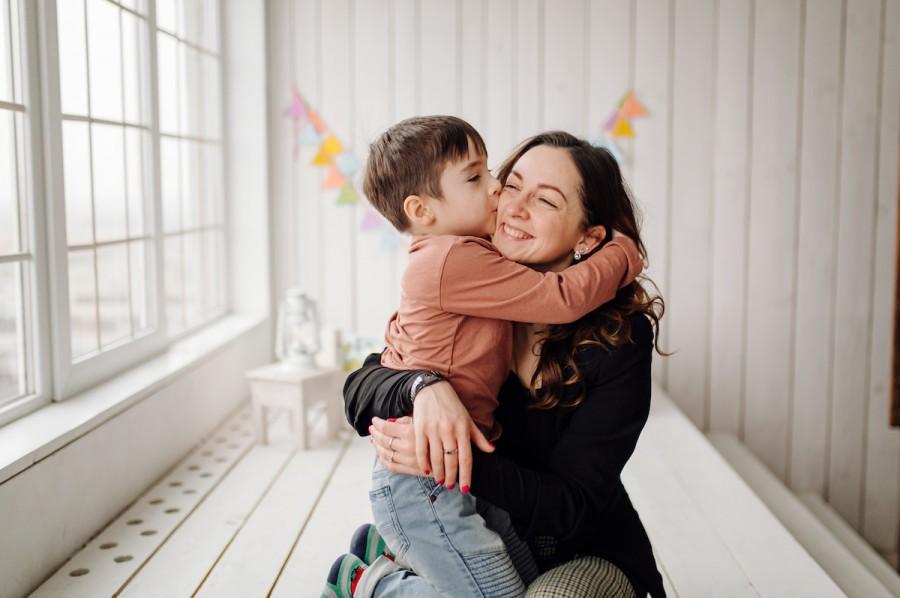 20 вопросов, которые помогут узнать что ребенок думает о маме
