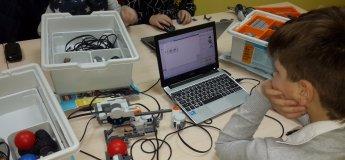 Урок по робототехнике в Техно-Kids