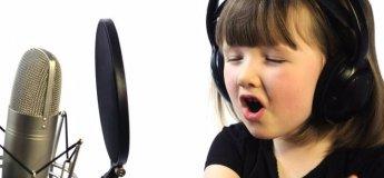 Ритмика и вокал с английским комментарием