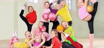 Художественная гимнастика в семейном клубе Shalom baby