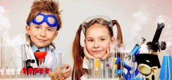 """Занимательные научные опыты для детей в клубе """"Семечко"""""""